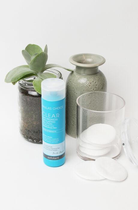 Clear Extra Strength Anti-Redness Exfoliating Solution Salicylic Acid Full size